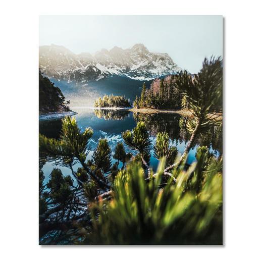 Marcel Siebert – Eibglow Marcel Siebert: Pure Fotokunst – ohne Templates und Filter. Einer der aufstrebendsten Instagrammer 2019 feiert sein Editions-Debüt. Exklusiv bei Pro-Idee. Maße: 100 x 125 cm