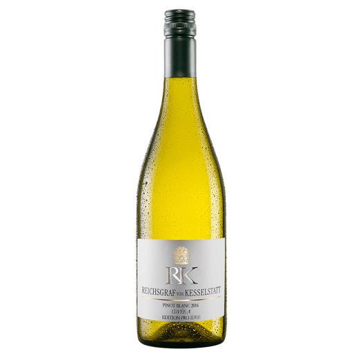 Pinot Blanc EDITION PRO-IDEE 2017, Reichsgraf von Kesselstatt, Mosel, Deutschland Sie macht Weine mit 94 Parker-Punkten. Doch ihr Pinot Blanc von der Mosel ist die wahre Überraschung.